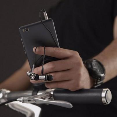 Замечательные наушники Xiaomi Mi Hybrid.