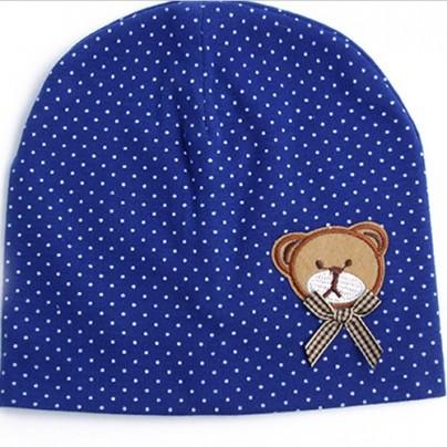 Симпатичная шапочка для малыша