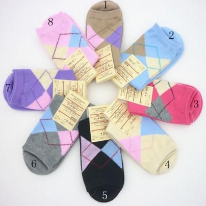 Симпатичные хлопковые женские носки